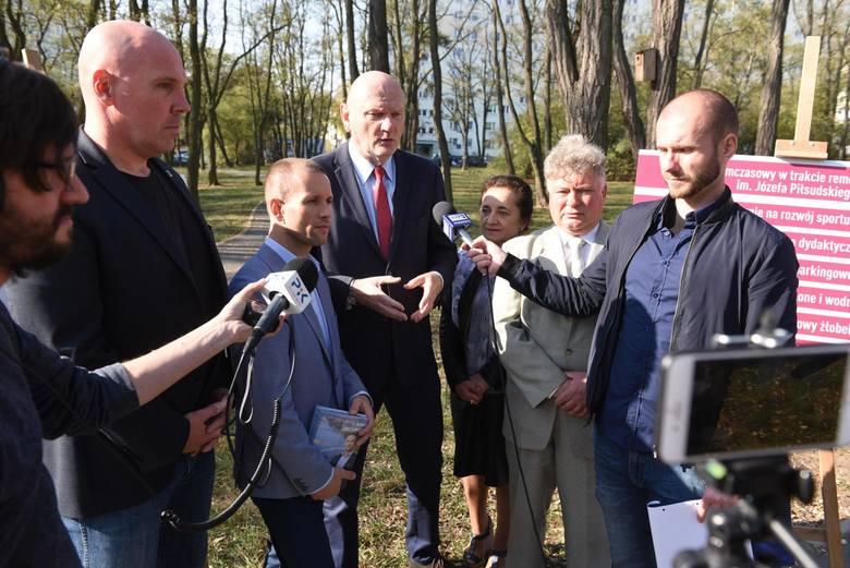 Piotr Całbecki i Tomasz Lenz (w środku) podsumowują kampanię