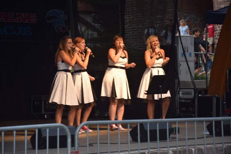 W zespole Altos śpiewają cztery młode panie.