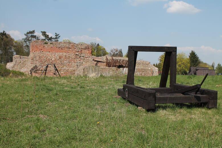 Ruiny zamku w Wenecji, gdzie straszyć ma jego sławny pierwszy właściciel zwany weneckim Diabłem