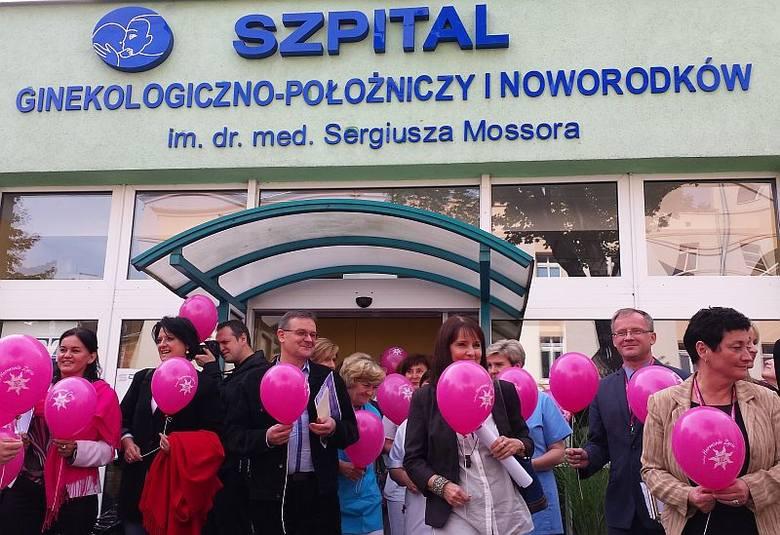 Uczestnicy programu z okazji jego inauguracji wypuścili do nieba różowe balony.