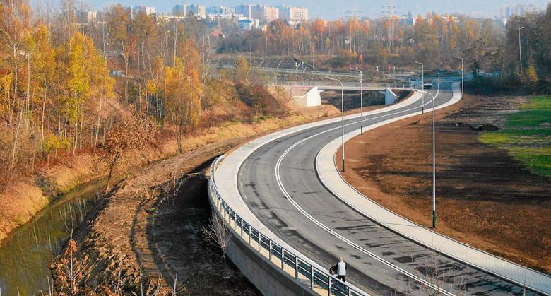Pod koniec listopada nastąpi otwarcie nowej jezdni z chodnikami i oświetleniem
