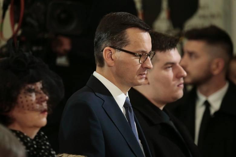 """Pogrzeb Kornela Morawieckiego. Wzruszające przemówienie premiera. """"Płaczemy po tobie, mój kochany"""""""