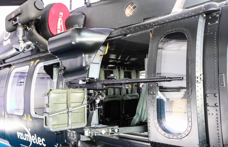 14.03.2016 mielec black hawk s 70i prezentacja 300 kabina wyprodukowana przez pzl mielec smiglowiec fot krzysztof kapica