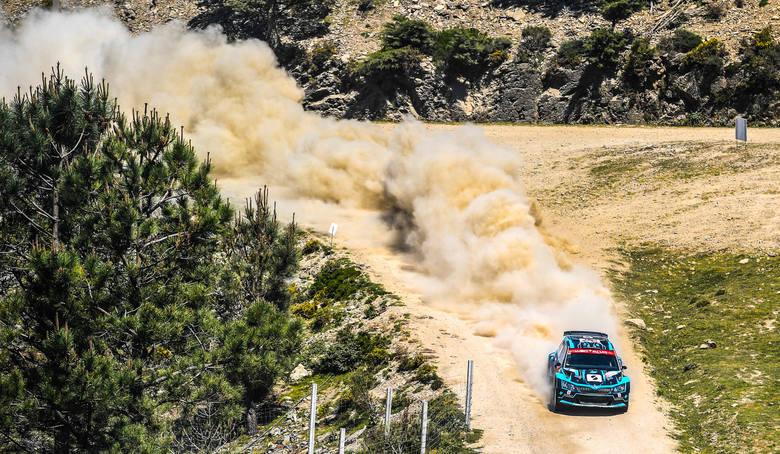 Łukasz Pieniążek nadal drugi w WRC 2 w Rajdzie Portugalii