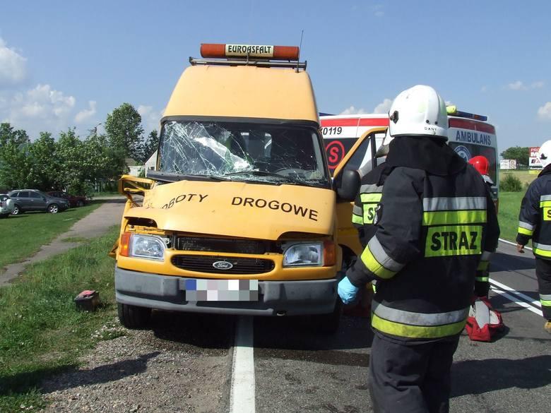 Wiercień Duży: Wypadek na DK 19. Zderzenie iveco z fordem. Dwie osoby poszkodowane