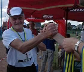 Piotr Kler, najbardziej znany stolarz z Dobrodzienia, jest również zapalonym sportowcem. (fot. Mirosław Dragon)