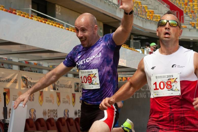 Finał Grand Prix Zwierzyńca w biegach odbył się w niedzielę na okazałym Stadionie Miejskim. W biegu głównym, na dystansie 10 km, najszybszymi byli: wśród