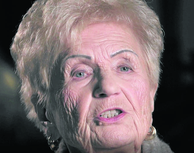 """Teresa Gładysz: I nagle w pociągu rozległo się """"Nie rzucim ziemi skąd nasz ród"""". A my tę ziemię właśnie rzucaliśmy..."""