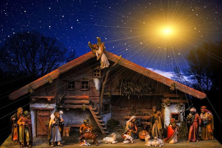 Gdy pierwsza gwiazdka błyśnie na niebie,Święty Mikołaj przybędzie do Ciebie.Powspominacie dawne czasy,popróbujecie świąteczne frykasy.A potem odleci