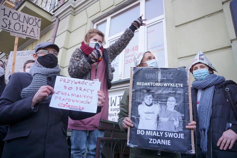 """""""Dziennik obywatelski, nie deweloperski"""". Pikieta w obronie Dziennika Wschodniego. Zobacz zdjęcia"""