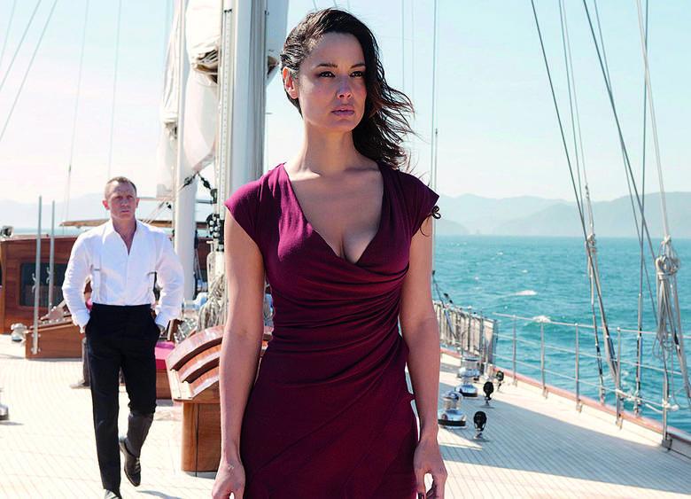 James Bond kosztuje miliony i jeszcze więcej zarabia