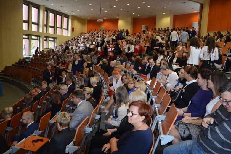 Inauguracja roku akademickiego w Państwowej Medycznej Wyższej Szkole Zawodowej w Opolu. Z rekrutacją nie było problemów
