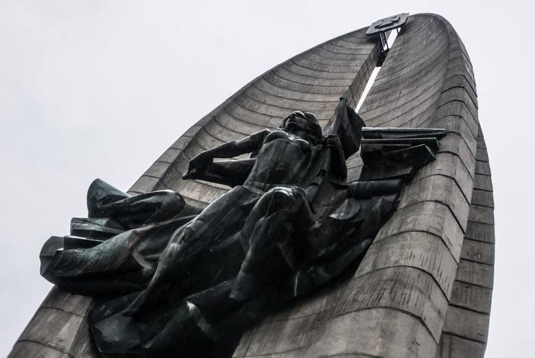 22.11.2017 rzeszow pomnik czynu walk rewolucyjnych plan rozbiorki pomnika ze wzgledu na ustawe o dekomunizacji przestrzeni publicznej fot krzysztof