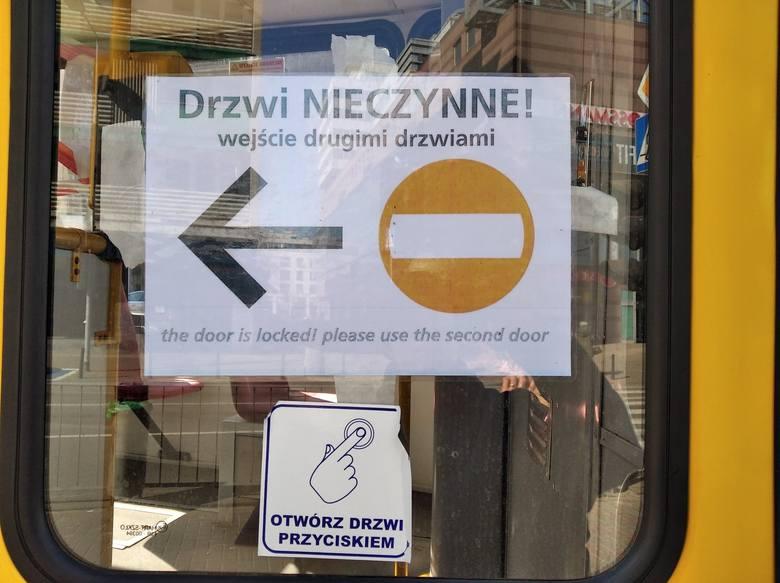 Tak pracownicy pierwszej linii chronią się przed koronawirusem. Jak wyglądają sklepy, punkty usługowe i środki transportu [29.03.2020 r.]