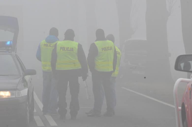 W środę, 9 marca przed godz. 7 rano na drodze nr 22 pomiędzy Kostrzynem nad Odrą a Słońskiem doszło do śmiertelnego wypadku. Zderzyły się trzy samochody,