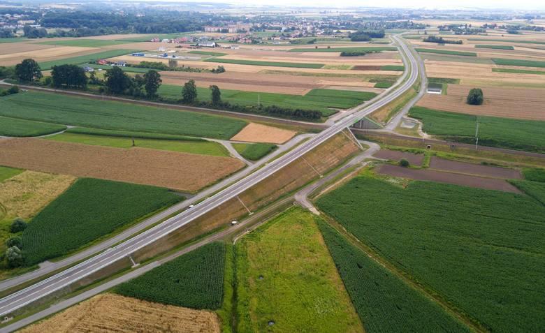 W piątek oddano do użytkowania łącznik autostrady A4 i drogi krajowej 94 w Gwizdaju. Inwestycja odciąży ruch w Przeworsku i będzie dużym ułatwieniem