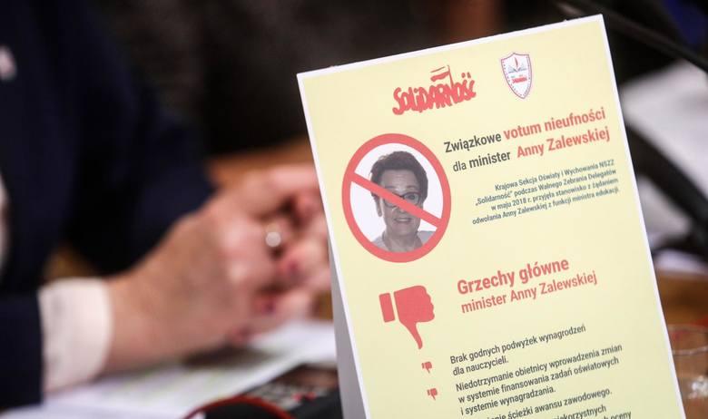 """Związkowcy z """"Solidarności"""" oświatowej żądają odwołania minister edukacji narodowej"""
