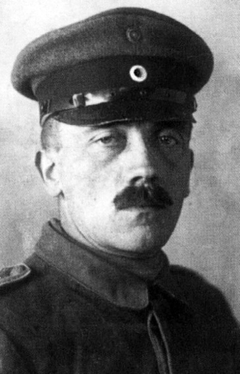 Adolf Hitler w 1916 r. w czasie służby w armii