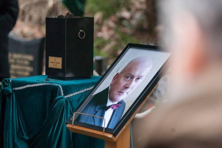 Rodzina, przyjaciele i współpracownicy pożegnali dziś Waldemara Bartelika - znanego pomorskiego menedżera, sportowca, członka kadry w siatkówce. W 2006