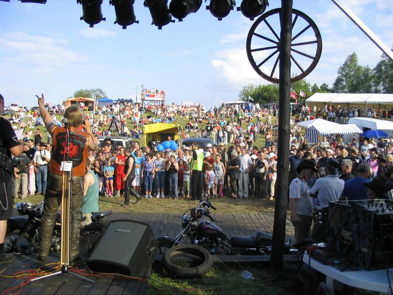 Western Piknik przyciąga co roku kilka tysięcy widzów w wieku od niemal zera do ponad stu lat.
