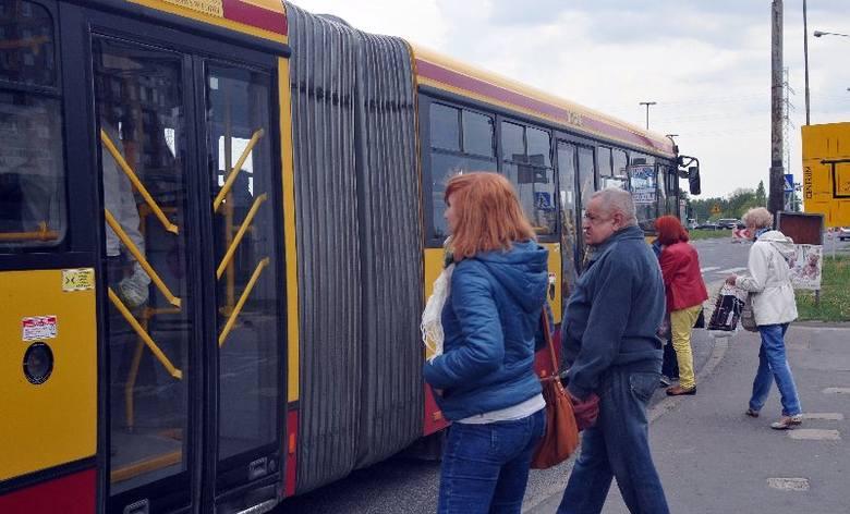 Jak przedostać się z Widzewa na Łódź Kaliską? Manewrując po rozkopanej Łodzi