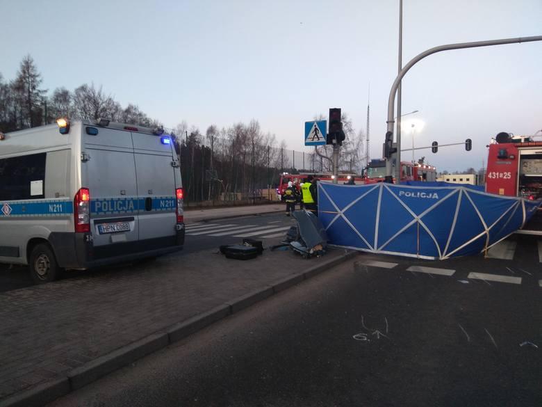 Zobaczcie zdjęcia z wypadku!Śmiertelny wypadek w Gdyni na Chwarznieńskiej. Zginęło 3 mężczyzn [16.02.2019]