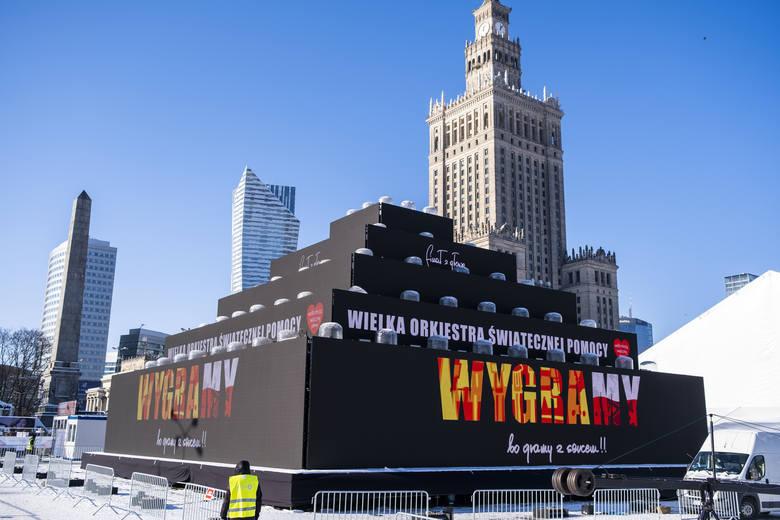 Ile zebrała WOŚP 2021? Warszawa: Światełko do nieba na placu Defilad [ZDJĘCIA] Jak wyglądał 29. finał Wielkiej Orkiestry Świątecznej Pomocy