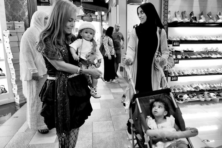Tajlandia - kraj, w którym dzieckiem może być... lalka [ZDJĘCIA]