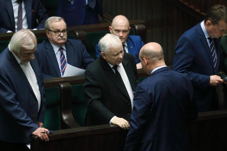 Poseł Szymon Szynkowski vel Sęk, szef poznańskich struktur PiS oraz wiceminister spraw zagranicznych uważa, że to opozycja, a nie władza,  odpowiada za brak wyborów prezydenckich 10 maja.