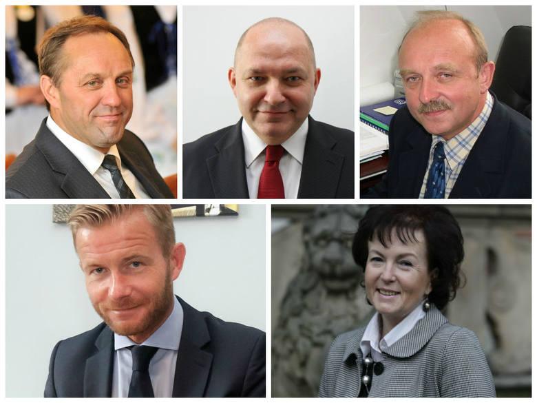 Marszałek i jego zastępcy (u góry od lewej): Mieczysław Struk, Wiesław Byczkowski i Krzysztof Trawicki oraz pozostali członkowie zarządu (na dole): Ryszard