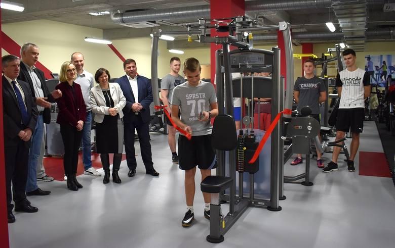 Nowa siłownia w Powiatowym Centrum Sportowym ww Staszowie.