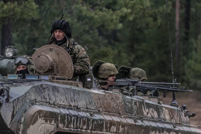 Mija kolejny tydzień szkolenia żołnierzy 10 batalionu zmechanizowanego Dragonów z 10 Brygady Kawalerii Pancernej na żagańskim poligonie.18 stycznia dragoni
