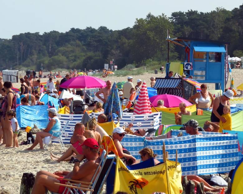 Kolejne dni przynoszą nam ciepłą i słoneczną pogodę. Z tego powodu cieszą się turyści, którzy spędzają końcówkę tegorocznych wakacji na polskim wybrzeżu