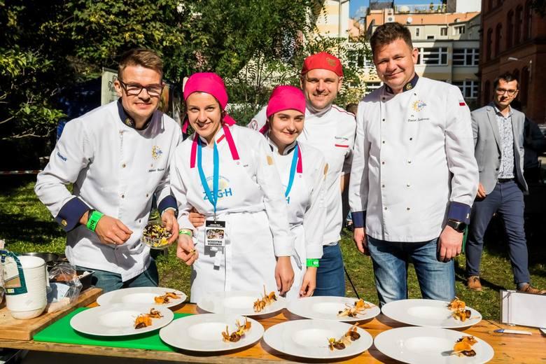 Wczoraj na terenie Zespołu Szkół Gastronomiczno-Hotelarskich w Bydgoszczy młodzi adepci sztuki kulinarnej z sześciu szkół z województwa kujawsko-pomorskiego