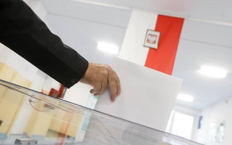 """""""Nowości"""" obliczyły, jak w niedzielnych wyborach parlamentarnych głosowali mieszkańcy poszczególnych osiedli Torunia.W skali całej Polski kolejne wybory"""