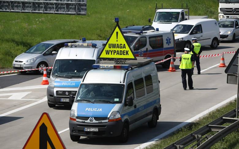 Do wypadku doszło w sobotę (19 stycznia) po godzinie 17.00 na A1 między węzłami Nowe Marzy a Grudziądzem. Z naszych ustaleń wynika, że przewrócił się