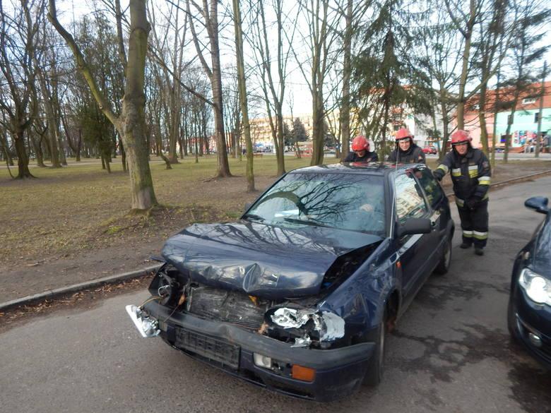 W środę, 10 lutego na ul. Poznańskiej w Krośnie Odrzańskim doszło do kolizji drogowej. Przez kilkadziesiąt minut ruch drogowy był utrudniony.Do zdarzenia