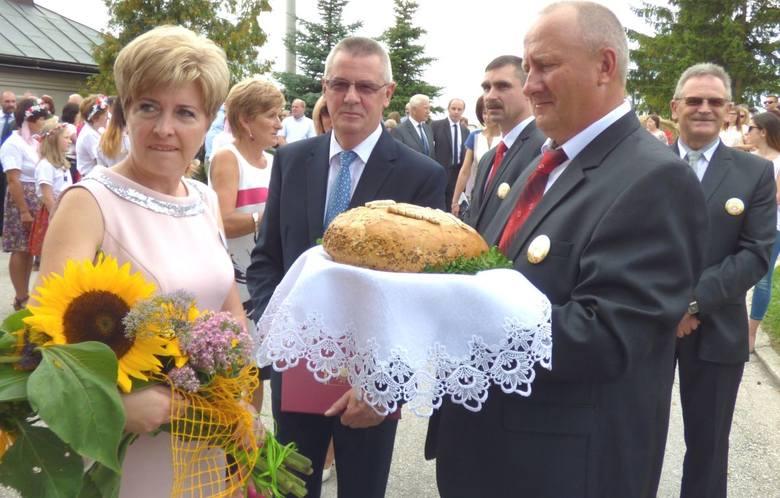 Buskie Dożynki Gminne w Szczaworyżu [ZDJĘCIA]
