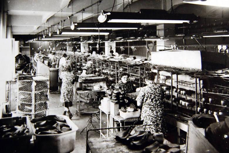 Tak kiedyś wyglądał zakład obuwniczy Carina w Gubinie.
