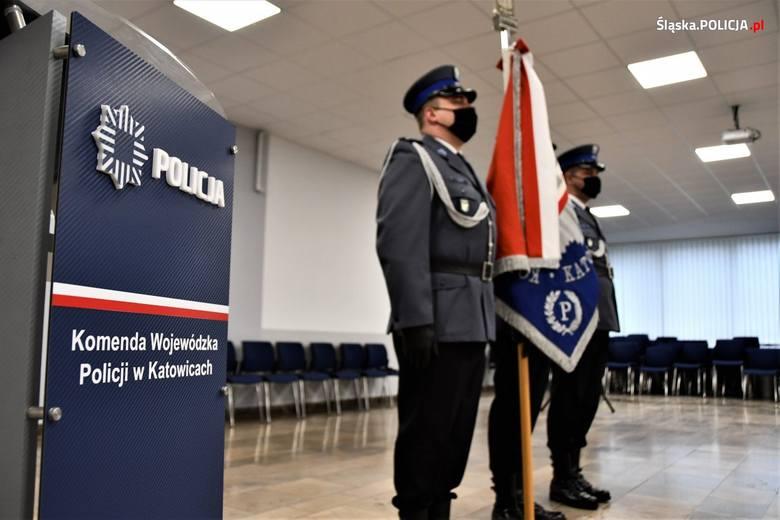 Nowi funkcjonariusze zasilą szeregi śląskiej policji.Zobacz kolejne zdjęcia. Przesuwaj zdjęcia w prawo - naciśnij strzałkę lub przycisk NASTĘPNE