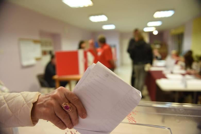 Frekwencja wyborcza w II turze wyborów prezydenckich wyniosła w powiecie nakielskim 62,86 proc. i  była ponad 4 procent wyższa niż w pierwszej turze.