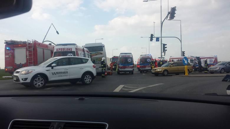 Wypadek autobusu z pracownikami Amazona