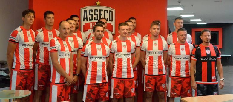 Asseco Resovii rozpoczęła przygotowania do nowego sezonu 2020/21. Dziś zawodnicy pierwszy raz spotkali się w nowym składzie. Najpierw wszyscy przyszli