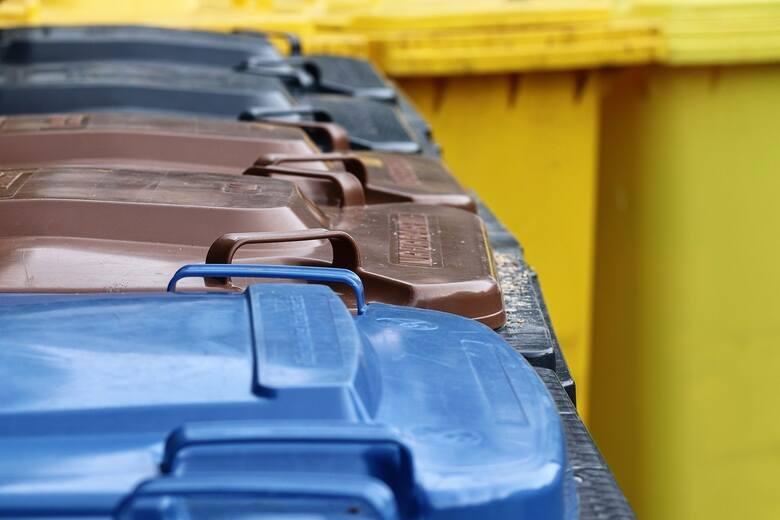 Rosnące koszty wywozu śmieci wzbudzają emocje wśród mieszkańców gminy