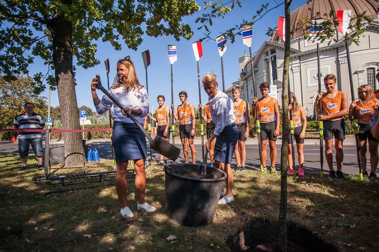 Wioślarska dwójka podwójna kobiet: Magdalena Fularczyk-Kozłowska i Natalia Madaj zdobyły pierwszy złoty medal dla Polski podczas igrzysk olimpijskich