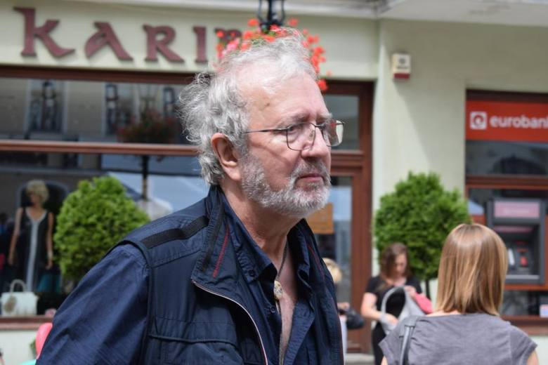 W ramach Zielonogórskiego Festiwalu Filmu i Teatru, w sobotę, 16 lipca,na spotkanie z mieszkańcami zaproszony został, satyryk Krzysztof Daukszewicz.