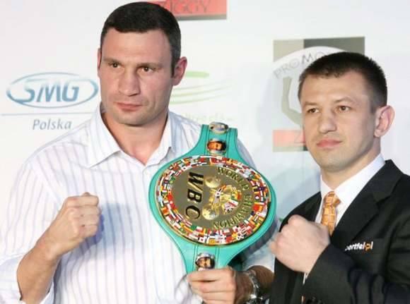 Witalij Kliczko jeszcze z pasem WBC. Czy Tomasz Adamek odbierze mu to trofeum?