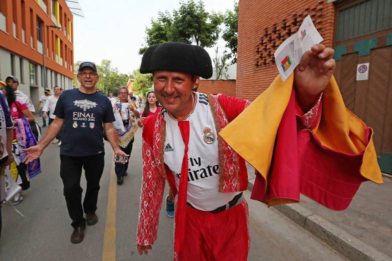 Finał Ligi Mistrzów. Ulice Mediolanu oblężone przez fanów Realu i Atletico [ZDJĘCIA]