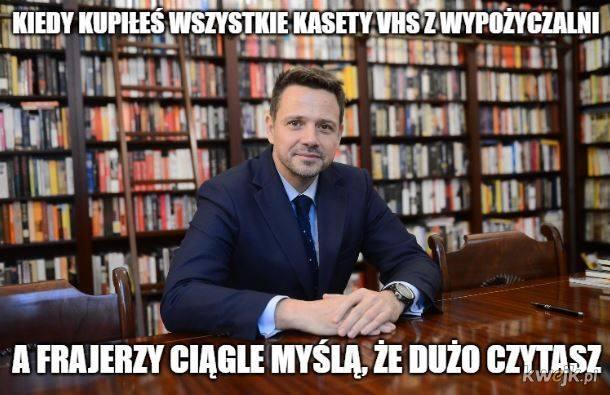 Rafał Trzaskowski bohaterem memów. W pocie czoła zbiera podpisy! [MEMY] [6.06]