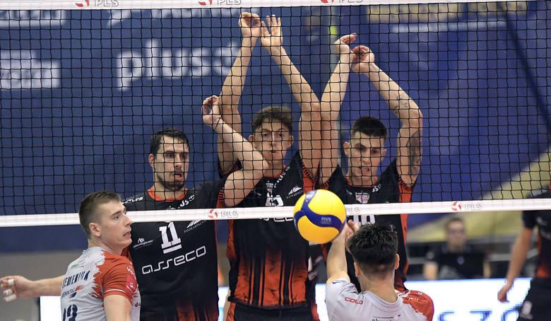 Asseco Resovia uległa Grupie Azoty ZAKSA Kędzierzyn-Koźle w półfinale Superpucharu Mistrzów Polski w Arłamowie<br /> <br />